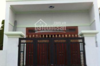Bán nhà mới xây, giá chỉ 900 tr, diện tích 80m2, gần chợ Bà Điểm Hóc Môn. LH: 0898.535.291