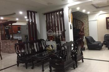 Cần bán nhà biệt thự đường Sơn Kỳ, P. Sơn Kỳ, Q. Tân Phú, đường trước nhà 6.5m. Thông thẳng