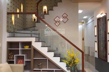 Nhà mới 1 trệt, 1 lầu, hẻm 90 Hùng Vương (tặng full nội thất), 4,5 x 13,5m, giá 2,850 tỷ