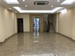 Cho thuê nhà riêng 6 tầng có thang máy phố Láng Hạ, giá 39 tr/ tháng, LH 0984250719
