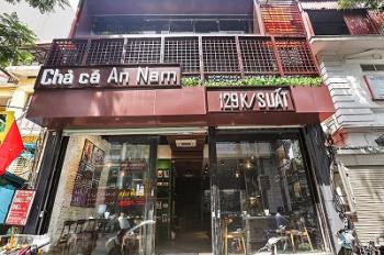 Cho thuê cửa hàng mặt phố Hàng Gà 37m2 MT 3.5m giá 30tr/th, đoạn chuyên kinh doanh thời trang