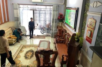 Bán nhà hẻm xe hơi Đoàn Văn Bơ, DT: 4,5x10m, giá: 4,5 tỷ