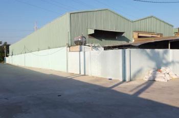 Cho thuê 4 nhà xưởng nằm ngay ngã tư Ga, quận 12, 400m2, 500m2, 1200m2, 2200m2. LH: 0949199247
