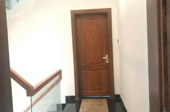 Chính chủ cần bán căn nhà phố full nội thất cao cấp sổ hồng riêng, vào ở luôn, giá cực kỳ tốt