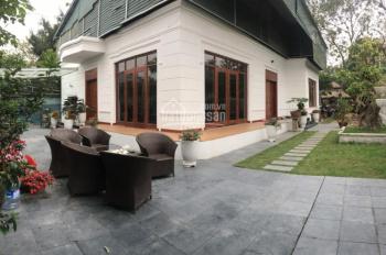 Căn nhà diện tích khủng, mới đẹp, sân vườn rộng lên đến 500m2 ở gần đường Thanh Niên, 0902134904