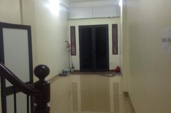 Chính chủ cần cho thuê nhà ngách 2/3, ngõ 40, Tạ Quang Bửu, Bách Khoa, diện tích mỗi tầng 62m2