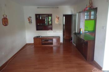 Bán căn hộ tập thể tầng 3 khu Bách Khoa, phố Tạ Quang Bửu, quận Hai Bà Trưng, Hà Nội.
