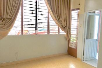 Phòng mới, ban công, giờ tự do tại 308/2 Hoàng Văn Thụ, P4, quận Tân Bình