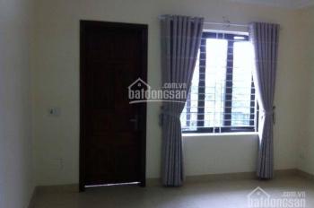 Cho thuê nhà mặt ngõ 71 Láng Hạ, diện tích 60m2 x 4 tầng, ngõ to rộng rãi ô tô đỗ cửa, giá 15 tr/th