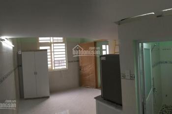 Phòng đầy đủ tiện nghi, sạch sẽ, thoáng mát gần D1, D2, Ung Văn Khiêm