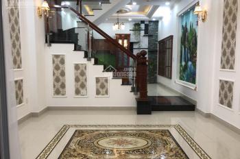 Bán nhà đường 26 Phạm Văn Đồng ngay Giga Mall gần cầu Bình Triệu 3 lầu giá 5 tỷ 6, LH: 0977.666.954
