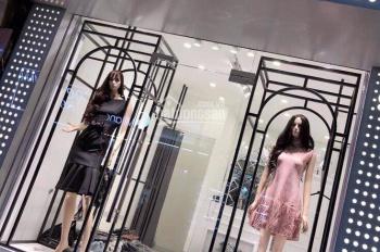 Cho thuê cửa hàng cực đẹp phố Hàng Gà, DT 37m2, MT 3,5m, giá thuê 28tr/th