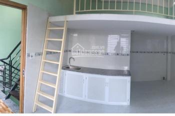 Phòng trọ cao cấp cách Hutech 50m, có gác. Liên hệ: 0362303670