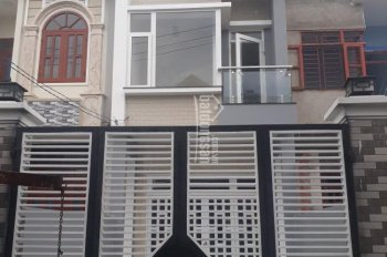 Vợ chồng cần xoay vốn bán gấp nhà gần Miếu Ông Cù, 60m2, giá 700tr