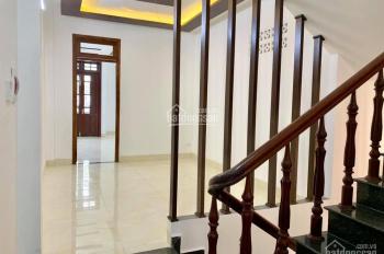 Cần bán nhà 4 tầng mặt tiền đường Nguyễn Đình Tứ, Quận Cẩm Lệ, TP Đà Nẵng