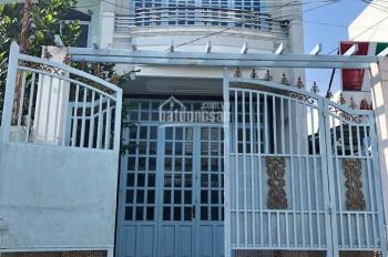Cần cho thuê nhà 1 trệt, 1 lầu, đường Đinh Công Tráng, giá 8 triệu/tháng