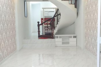 Cần bán nhà đường Lam Sơn, 50m2, giá 5.25 tỷ