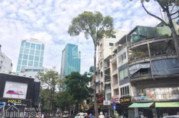 Bán gấp nhà mặt tiền đường Lạc Long Quân đường rộng 40m, P.5, Q.11, DT: 4.4 x 24m giá đầu tư 17 tỷ