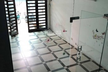 Cho thuê nhà mặt ngõ phân lô phố Thái Hà, diện tích 110m2 x 5T, mặt tiền 5m, ô tô vào nhà, 30 triệu