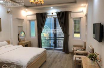 Cho thuê nhà phố Nhật, hẻm 15B, Lê Thánh Tôn, Quận 1, được setup CHDV 11 phòng đầy đủ nội thất