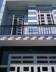 Cần tiền bán căn nhà, 1 lầu, 4x10m, đường Hồ Văn Long, P. BHHB, Bình Tân. Giá 2 tỷ 5, 0977255179