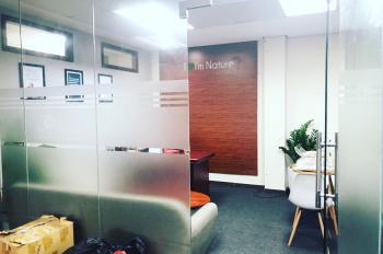 Cần chuyển nhượng gấp văn phòng làm việc tại tầng 7 toàn nhà 15A Nguyễn Khang. LH: 0911030687