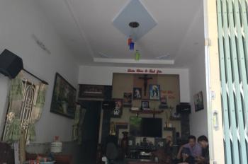 Kẹt tiền cần bán nhà cạnh giáo xứ Lộc Lâm 200m, dt 120m2, giá thương lượng chính chủ