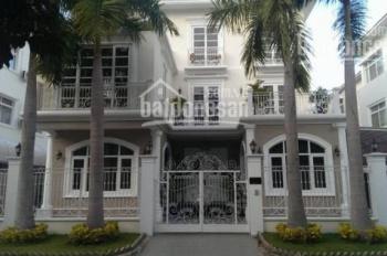 Cho thuê nhà 15*56 m, 3 lầu, 15 phòng ngủ, đường Tú Xương, Q3