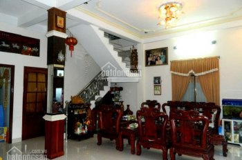 Chính chủ bán gấp nhà mặt tiền đường Nguyễn Đình Chính, quận Phú Nhuận, DT 5x20m, 5 lầu giá 16tỷ