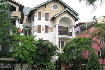 Xuất cảnh bán gấp villa đường Võ Văn Tần, Phường 5, Quận 3. DT : 6x18m, trệt 3 lầu mới. Gía 28 tỷ