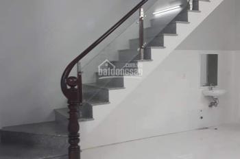 Bán nhà hẻm 2m đường Trần Quang Khải, P Tân Định, Q1.  DT: 3.7m x 5m. Giá: 1.75 tỷ.