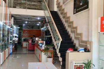Cho thuê nhà mặt tiền đường Quang Trung -Lý Thánh Tôn, Nha Trang diện tích: 270m2 LH: 0905817766