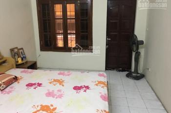Cho thuê nhà riêng 3,5 tầng tiện nghi phố Trịnh Hoài Đức