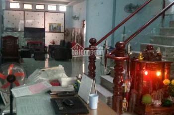 Bán nhà 2 lầu mặt tiền đường Trần Văn Mười, Hóc Môn. Vị trí buôn bán kinh doanh sầm uất