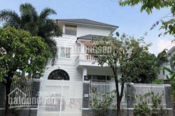 Bán villa trục Nguyễn Văn Hưởng, DT: 246m2, 1 trệt, 2 lầu, giá chỉ: 23.5 tỷ. LH: 0902 293 310