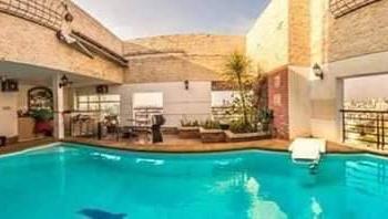 Cần bán nhanh Sky Villa sân vườn MT Cao Đạt Q5, 250m2 3PN, có hồ bơi riêng, view Q1, LH 0931409080