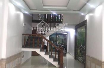 Bán nhà 2 mặt ngõ, ô tô đỗ trong nhà phố Hoàng Ngọc Phách