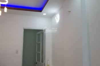 Chính chủ cho thuê nhà 15/3x Nguyễn Thị Minh Khai, Quận 1 35m2, kết cấu: 2 tầng. Giá 12tr/th