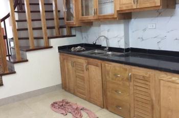 Chính chủ bán nhà 5 tầng xây mới ngõ 342 Khương Đình, thông ra Nguyễn Trãi. LH: 0979 053 999