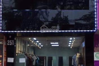 Cho thuê cửa hàng kinh doanh mặt phố Phạm Văn Đồng, gần đường Hoàng Quốc Việt, DT 70m2,1,5 tầng