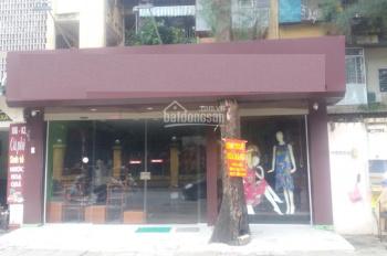 Cho thuê cửa hàng mặt phố Nguyễn Khánh Toàn. DT 50m2 xây 2,5 tầng, mặt tiền 7m