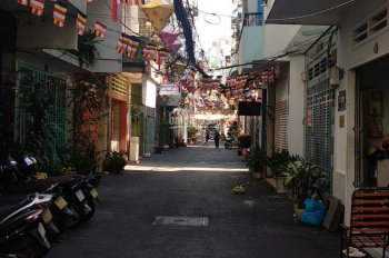 Tôi cần bán nhà hẻm xe hơi đường Nguyễn Tri Phương, quận 10. Cách mặt tiền 17m