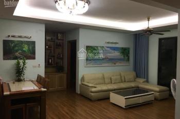 Gia đình cần bán gấp CHCC Victoria Văn Phú, DT 116m2 căn góc gồm 3PN, 2WC, BC Đông Nam, giá 1.97 tỷ