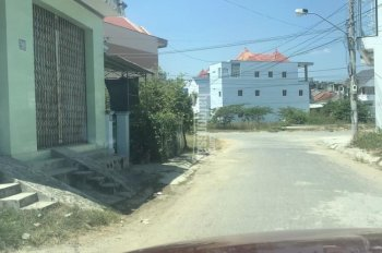 Cho thuê nhà cấp 4, DT 270m2 tại trung tâm, LH 0049112113 - 0973086479