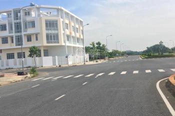 Cần bán gấp lô đất MT đường Huỳnh Tấn Phát,Q7.cách trường Phú Mỹ 500m.giá:35tr/m2 Linh:0981728758