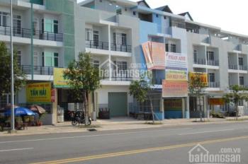 Cần bán nhà mặt phố 1 trệt, 3 lầu, đường lớn, dân cư đông ngay khu công nghiệp, LH 0908985997