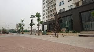 Cho thuê mặt bằng 400m2 tầng 1 làm cafe, nhà hàng, khu Phùng Khoang. LH: 0989329497