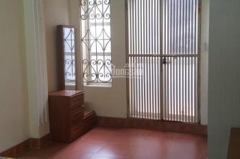 Cho thuê nhà trong ngõ 370 Thụy Khuê để ở hoặc làm VP, diện tích 40m2 x 5 tầng, mỗi tầng 1 phòng