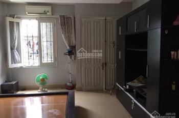Cho thuê nhà riêng tại ngõ 370 Thụy Khuê, DT 35m2*5 tầng, thích hợp cho hộ gia đình
