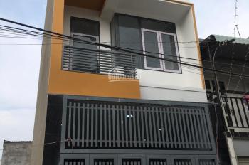 Bán nhà 1 trệt 2 lầu đường 102 Lã Xuân Oai, có sân đậu xe hơi, chính chủ